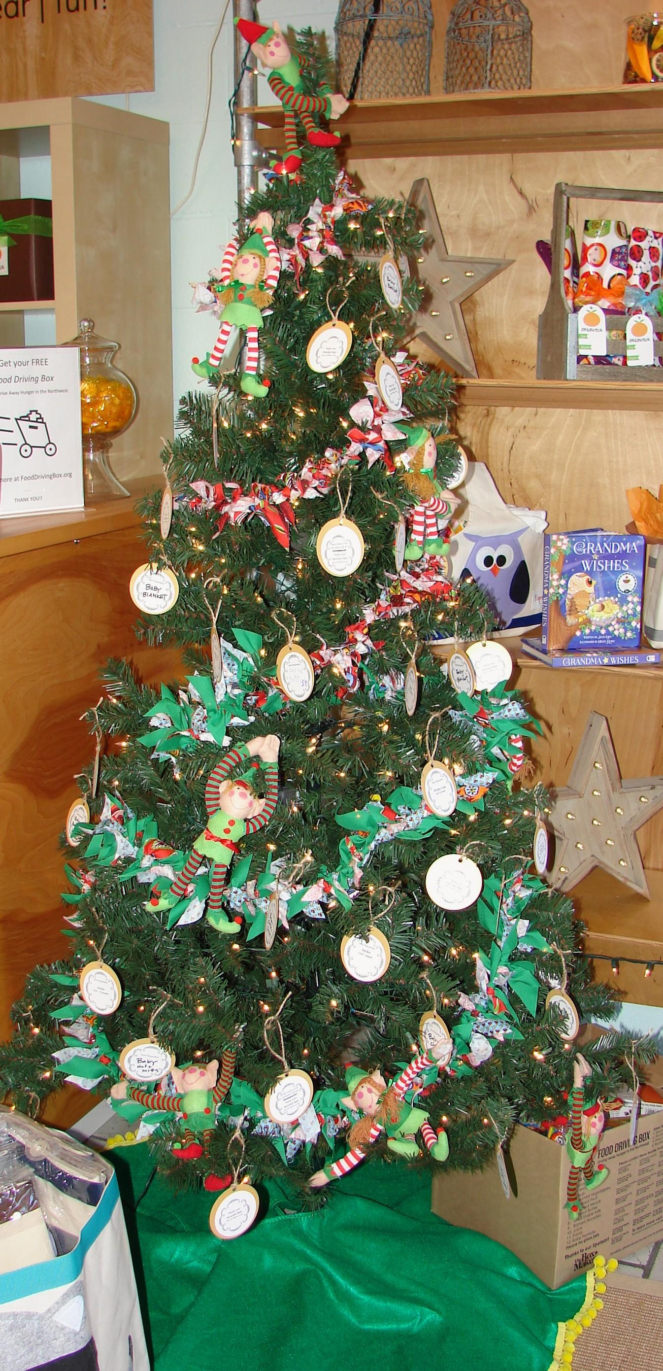 Gift Season: Satsuma in Wedgwood
